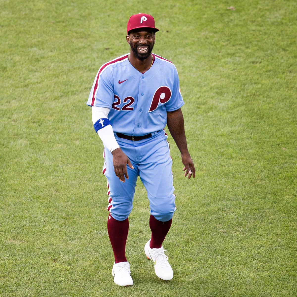 Rate these @Phillies throwbacks on a scale of 1 to 🔥. https://t.co/sF4zKlvhnd