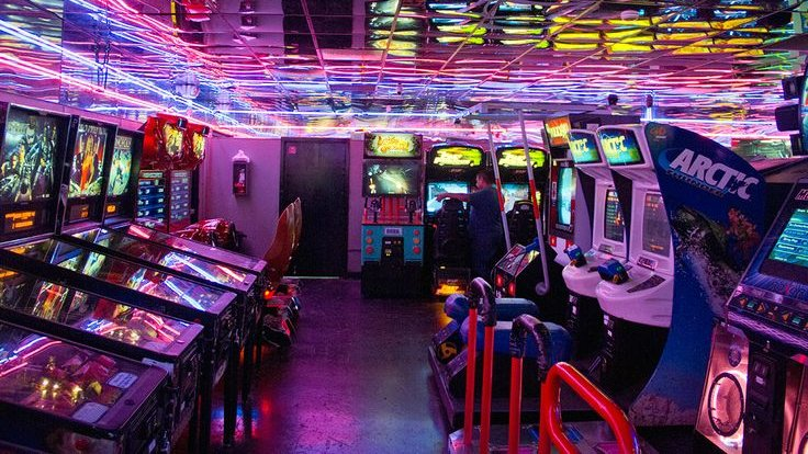Oh, Those Beautiful Game Rooms!! #arcadegames #gamerooms #RetroGames  #mancaves #shesheds #RetroGaming #retrogamer #arcadebars #retrocades 818-246-2255pic.twitter.com/nWIt4SJGNc