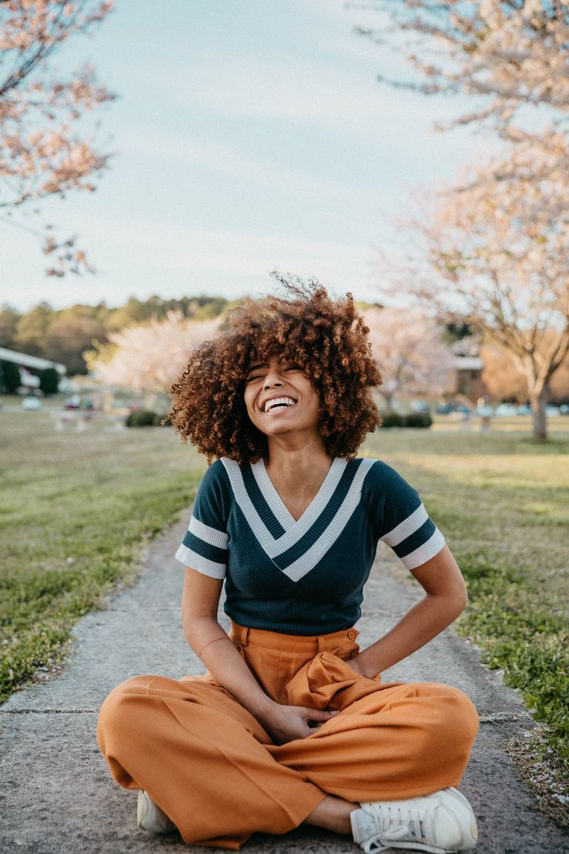 """""""As opposed to self-esteem, a trait that current studies show sabotages more than strengthens, self compassion is a healthier quality without the risks of an inflated ego and narcissism. """" #selfcompassion #kindness #selfdeprecation #powerfulwaystochange https://buff.ly/3ieyk6Zpic.twitter.com/XrfJI4dQwh"""