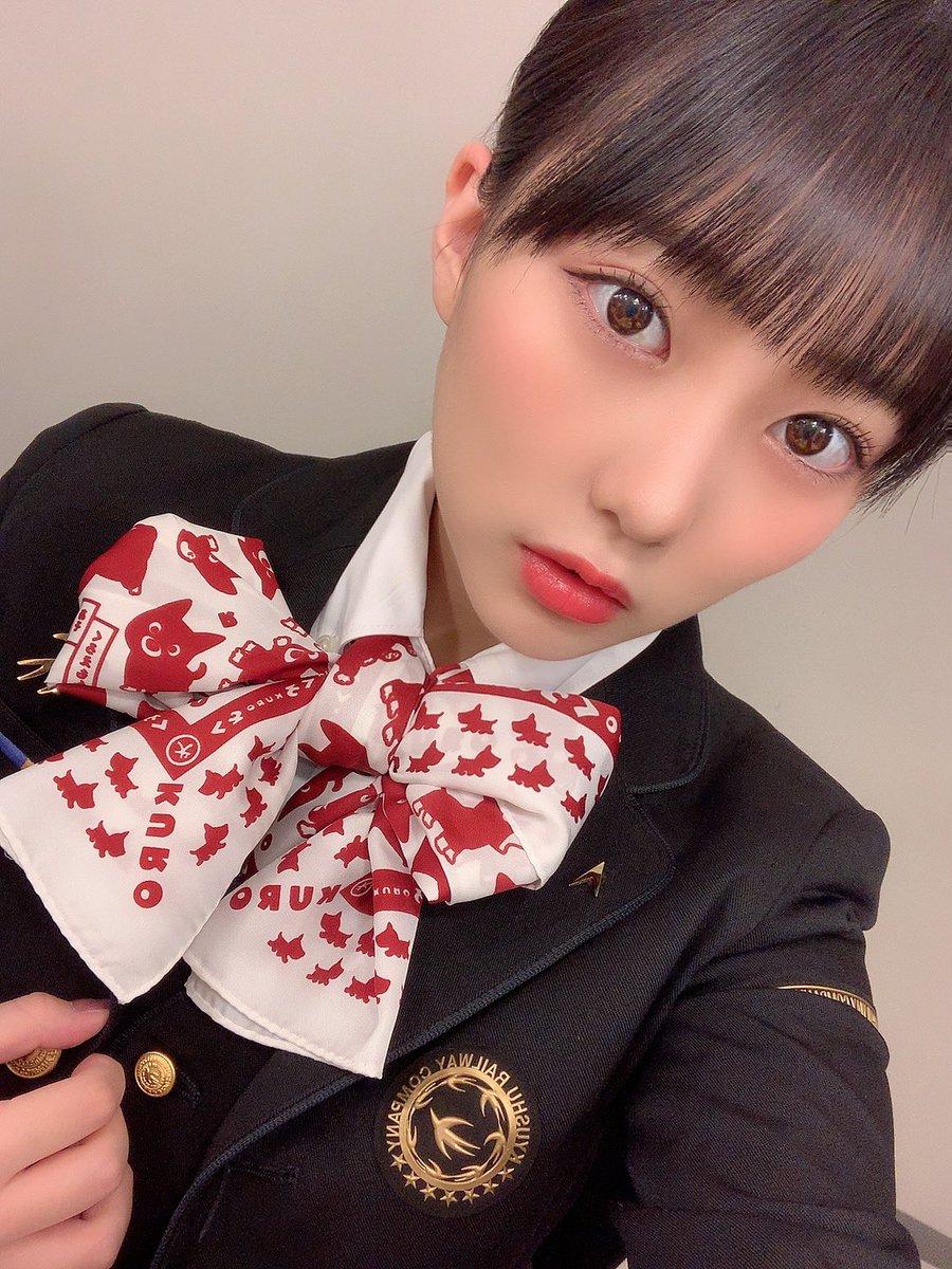 熊本駅に行ったら、等身大のこの制服みくりんに会えるよ😊似合っとる??