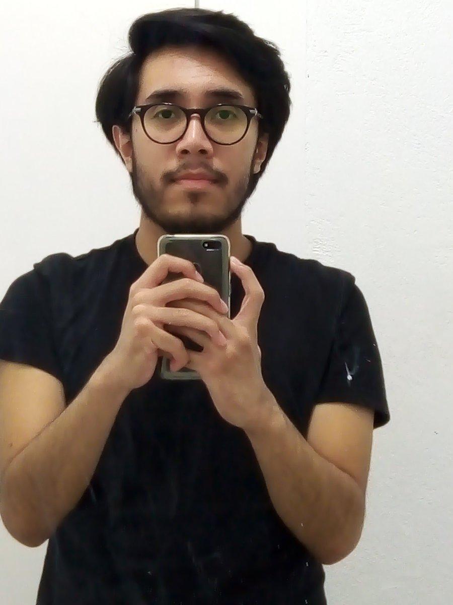 Creo que en esta cuarentena ya me pegó la edad, pero quiero creer que es solo el corte de cabellopic.twitter.com/lqhuc0DMki