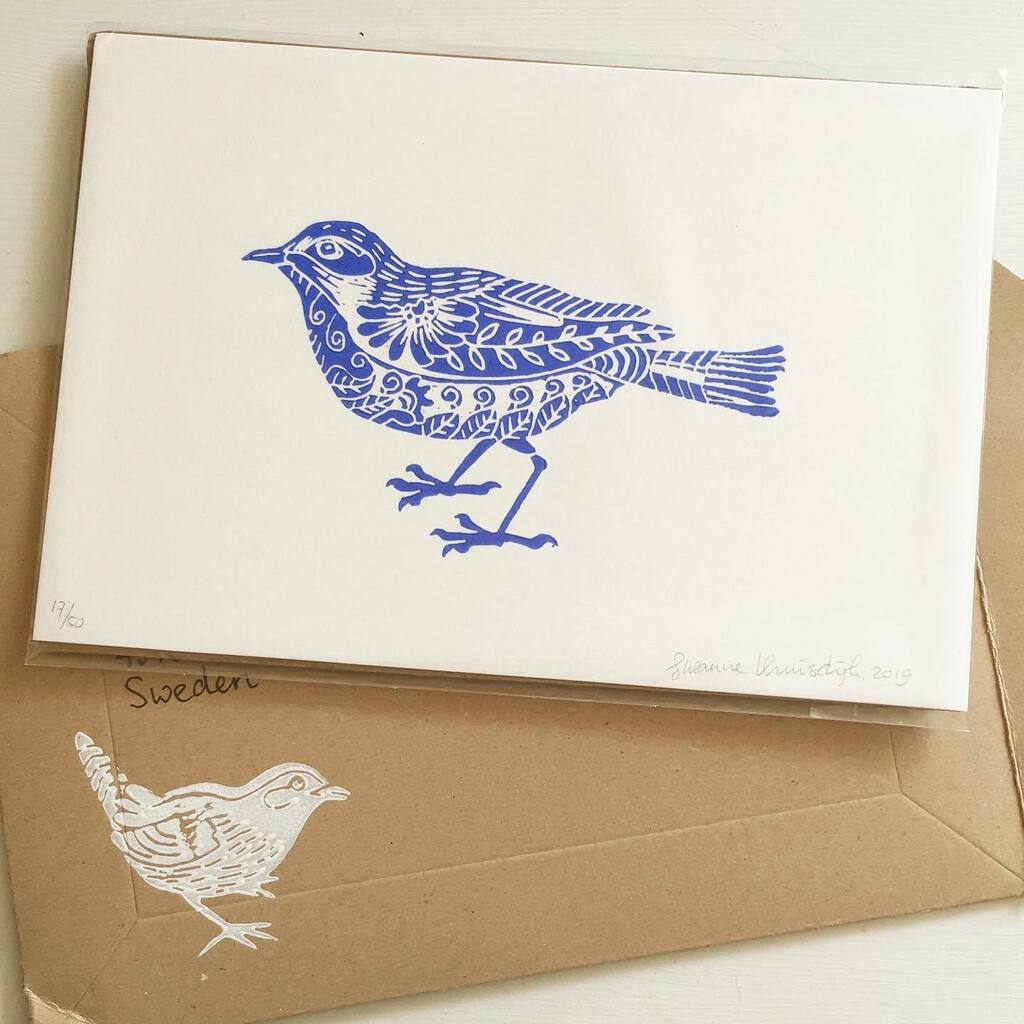 W6D5. Look! I got mail! A lovely blue bird in linoleum print, by Dutch artist @suzannekruisdijk. The envelope it arrived in is a piece of art in itself. Absolutely love it! #printmaking #natureart #handprinted #linocut #linoprint #printspotters #inkprint… https://instagr.am/p/CDlWVUCJymV/ pic.twitter.com/SrUGTHq61C