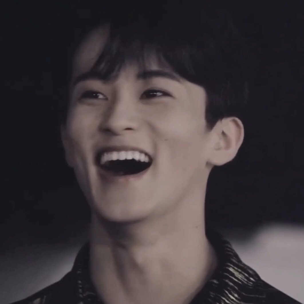 @CapableMelon Mark i wish you could laugh this freely everytime🥰 it means everything to me to see you this happy💚  #HAPPYMARKDAY #MarkInOurHearts #스물둘_마크가_빛날_시간  #MarkLeeTimeToShine #MARKLEE  #SuperMisComing  #SuperMisBack https://t.co/sgC8itfwR2