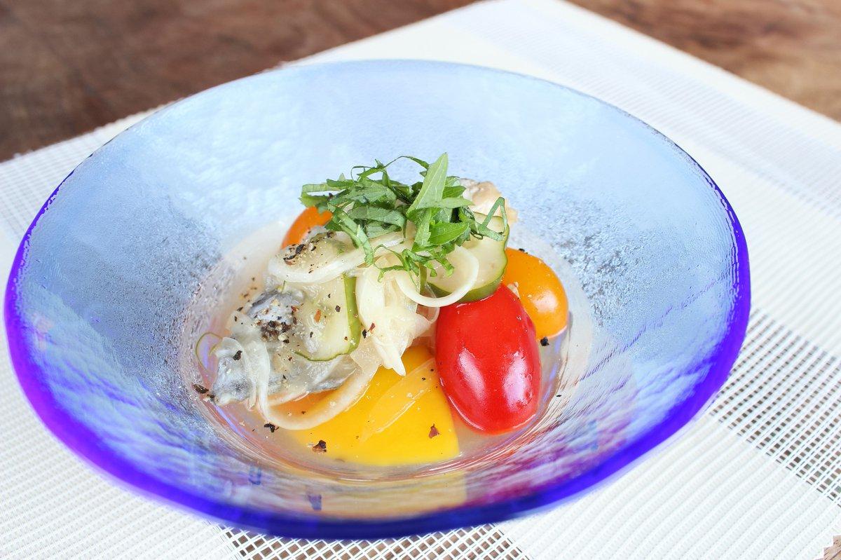 サワラのマリネ暑い夏はこれに限る!?魚も野菜もバランスよく!仕上げの大葉がポイント♪ #メトレフランセ #シリコンスチーマー #節約 #レシピ #ダイエット #ヘルシー #火を使わない #おうちごはん  #料理 #魚料理 #マリネ #夏 #さっぱり #おつまみ