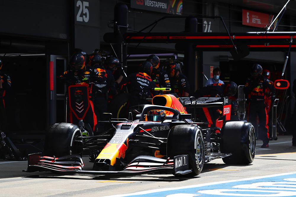 【今週末の #ホンダモースポ 】#F1jp は、先週に引き続きシルバーストーンで第5戦が開催されます。Aston Martin Red Bull Racingのマックス・フェルスタッペン選手は、優勝まであと一歩と迫った前戦の悔しさを胸に優勝を狙います。 https://t.co/vlf0TALDHg https://t.co/WviPF9Nfl0