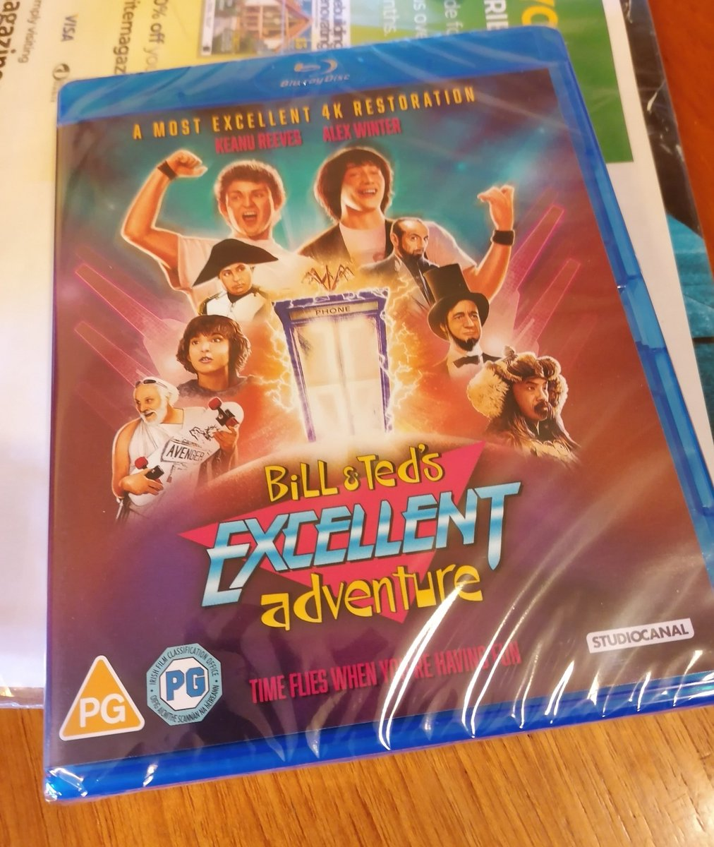 Well, I know what I'm watching when I get home tonight. #BillAndTed pic.twitter.com/2XFtUAQJ8J