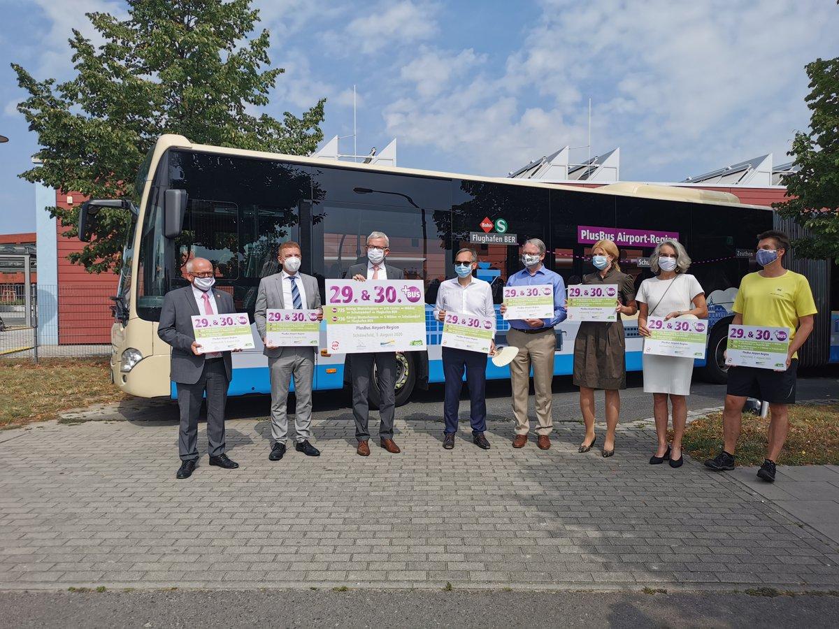 Am Freitag eröffnet, ab morgen unterwegs: Buskonzept #Airport-Region mit #PlusBus-, Stadt-Umland-Linien und dem ersten Nachtbus des Landkreises #DahmeSpreewald. Aus #ÖPNV-Sicht kann die #BER-Eröffnung kommen! Alle Infos zur An-/Abreise mit den #Öffis: https://t.co/YkKY7q2zkA /vl https://t.co/P3QhtWn4os