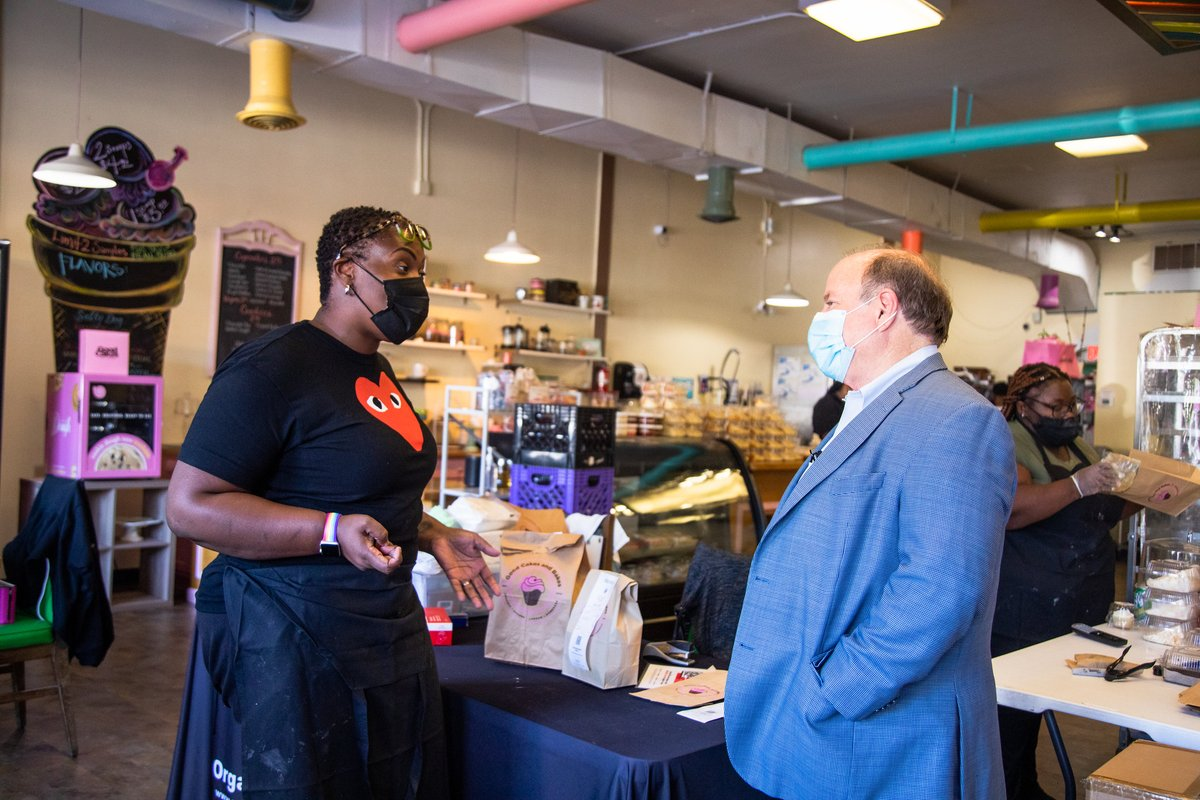 Hate recently found its way to the doorstep of life partners, April and Michelle. In the face of that ugliness, they showed the kind of resilience Detroiter's are known for. That's why we stand together with Good Cakes and Bakes and all of our LGBTQ neighbors and businesses. https://t.co/o3l0VlEKUq