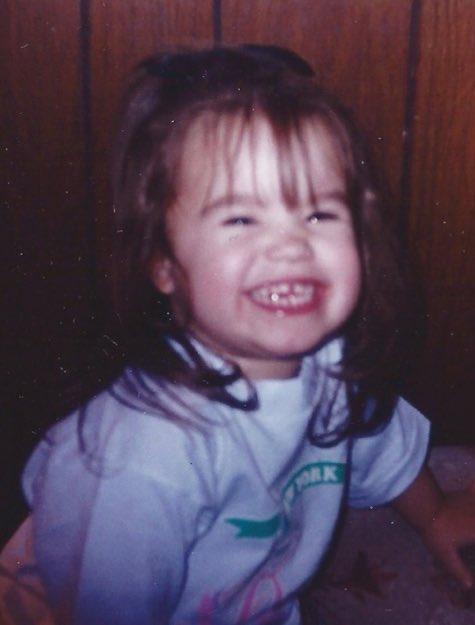 minha pequena garotinha está completando mais um ano de vida hoje. 💘💘 @ddlovato #DemiLovato #HappyBirthdayDemi https://t.co/Hn62jh1U0v