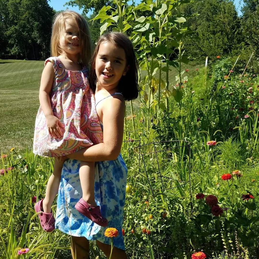 My wildflowers.   Not fighting for 5 minutes 🤣🤣🤣 #daughters #love #sisters #michigram #sunflowers #zinnias #nature #summer #earthlings #beauty #slowdown https://t.co/oT3BBF2cl7