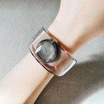 自分の誕生日に「イッセイミヤケ」の時計を購入!水をモチーフにした爽やかで素敵な印象!