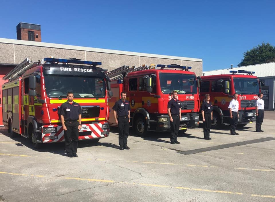This morning, the duty crew observed a minute's silence in respect of fallen Firefighter Daniel Jones of South Wales Fire and Rescue Service. https://t.co/YT4T9oWEEf