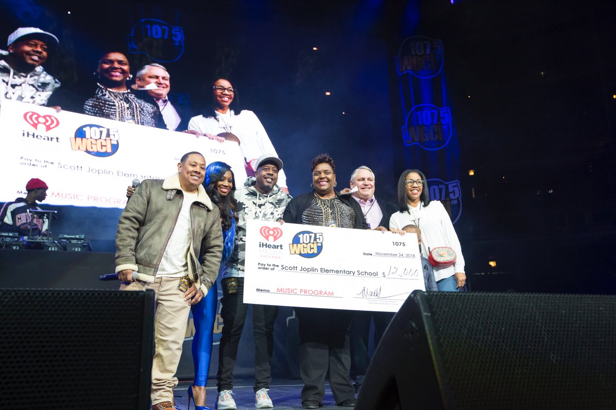 For #NationalRadioDay, revisit some of our favorite @WGCI concert photos from SUMMER JAM and BIG JAM over the years! 📻 https://t.co/gNBxu0KEIj