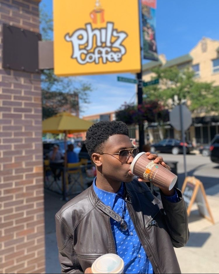 Raise your cup if you're feeling like it's a two coffee kind of day!  . We feel that (IG)_micallery . #ThursdayVibes #PhilzWay #HowToPhilzSafely #PhilzApp #IsItFridayYet https://t.co/ko5fwejaxC