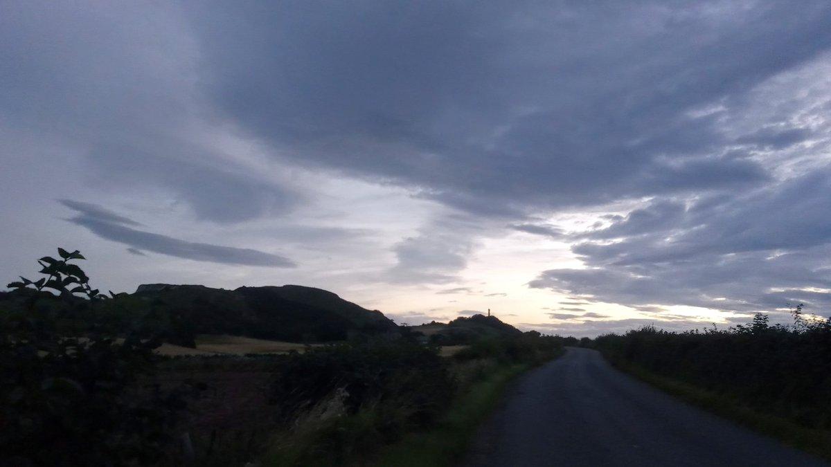 #Garleton Hills, #Hopetoun Monument, & #AuldReekie on the horizon ♥ #TakingNotice https://t.co/ABOi83Dm7d