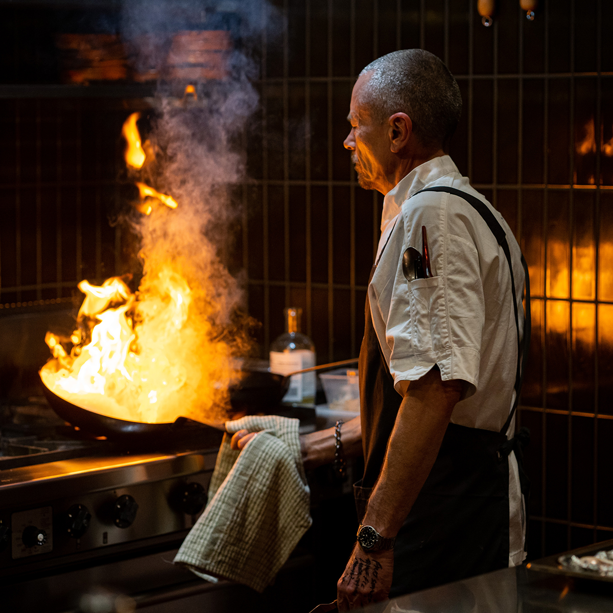 Be part of an immersive cooking experience like no other, as our very own Simon Bryant leads an intimate cooking masterclass & three-course meal on the Rooftop of Sparkke at the Whitmore on Sunday 30 August 🔥👉 https://t.co/4G5LUm0aj7 🎟️ https://t.co/EBDLjlYcLP