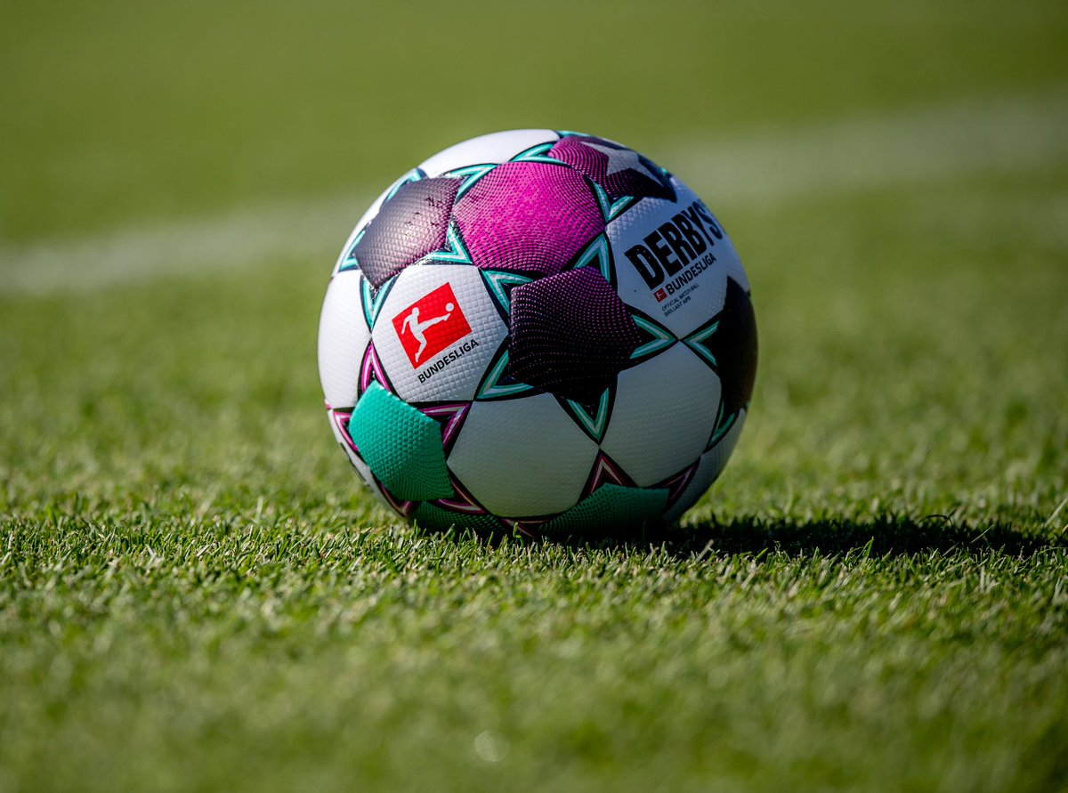 🔥🗓 Les 8 premières journées de #Bundesliga sont fixées:   #RBLM05   20/09   15:30 #B04RBL   26/09   15:30  #RBLS04   03/10   18:30  #FCARBL   17/10   15:30  #RBLBSC   24/10   15:30  #BMGRBL   31/10   18:30  #RBLSCF   07/11   15:30  #SGERBL   21/11   18.30   🔴⚪ #DieRotenBullen https://t.co/lPbBBLQiTi