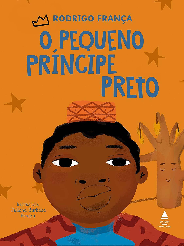 Capa de O pequeno príncipe negro, que tem a ilustração de um menino negro usando um kufi amarelo com linhas vermelhas. O fundo é amarelo e tem um arvore seca do lado direito e pequenas estrelas espalhadas no restante da capa. O título do livro está no alto, centralizado e em letras azuis.
