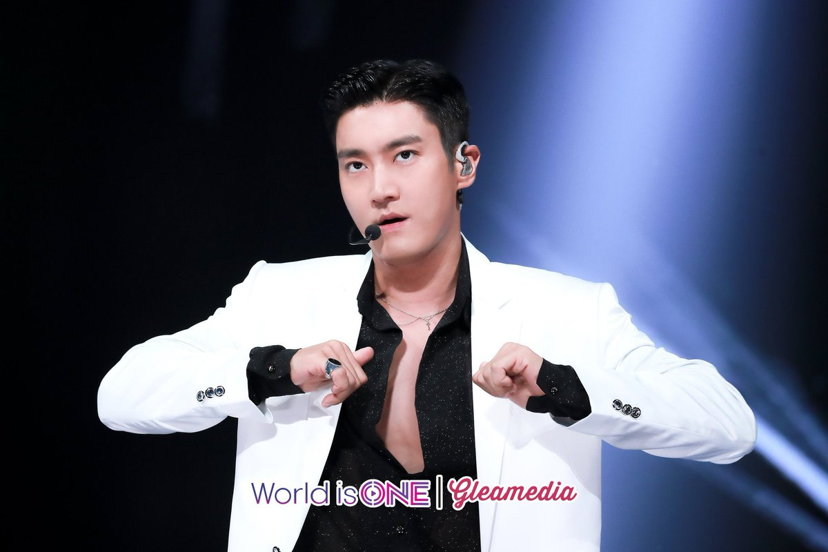 #SiwoninVietnam #WelcometoVietnam #SuperJuniorinVietnam #슈퍼주니어 #최시원 #시원 #SuperJunior #SiWon #ChoiSiWon #LabelSJ #ELF #SuJu #VELF #EverLastingFriends #VietNameseELF #zinniesj13 #myworld #superjuniormyworld #biglove ( cr mystarplay ) https://t.co/XpU4vuMRod