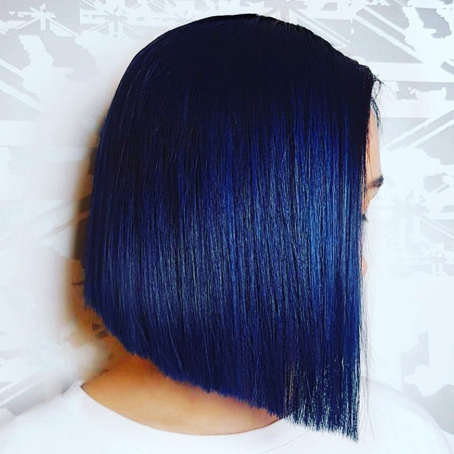 MIDNIGHT 🌑 we're kind of obsessed with this deep navy hue Stevie English created using K18 Serum + Masque  👌🏻   🎨 @stevieenglishhair #k18hair