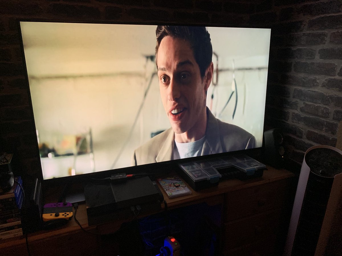 I am 11 minutes into The King of Staten Island and it is abundantly clear that Pete Davidson was the sole basis for Jared Leto Joker. https://t.co/3tL7HkJKqL