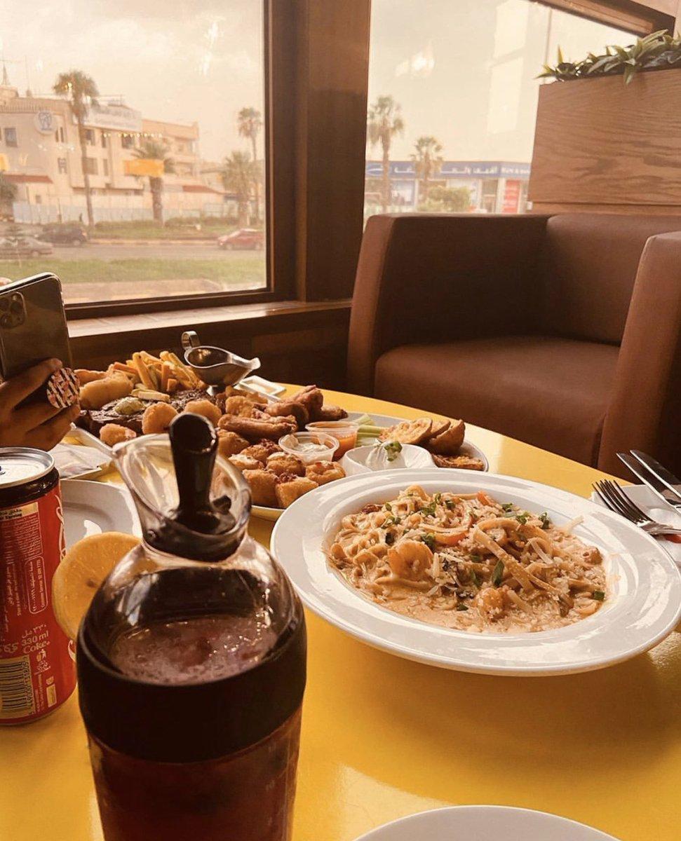 مطاعم أبها و خميس مشيط Abha Khamis R C Twitter