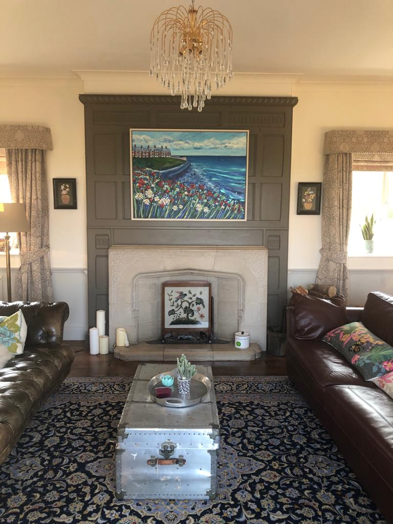 Thrilled to be sent this photo of my Browns Bay painting in it's delightful new home #Cullercoats #art #painting #womensart #artist #interiordecor pic.twitter.com/oB0v0ODhPA