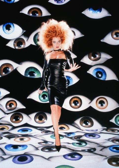 Happy Birthday to the true alien queen, Gillian Anderson Photographed by Dave LaChapelle