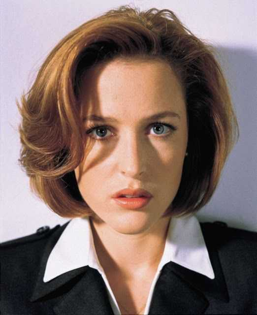 Happy 52nd birthday to THE X-FILES star Gillian Anderson!
