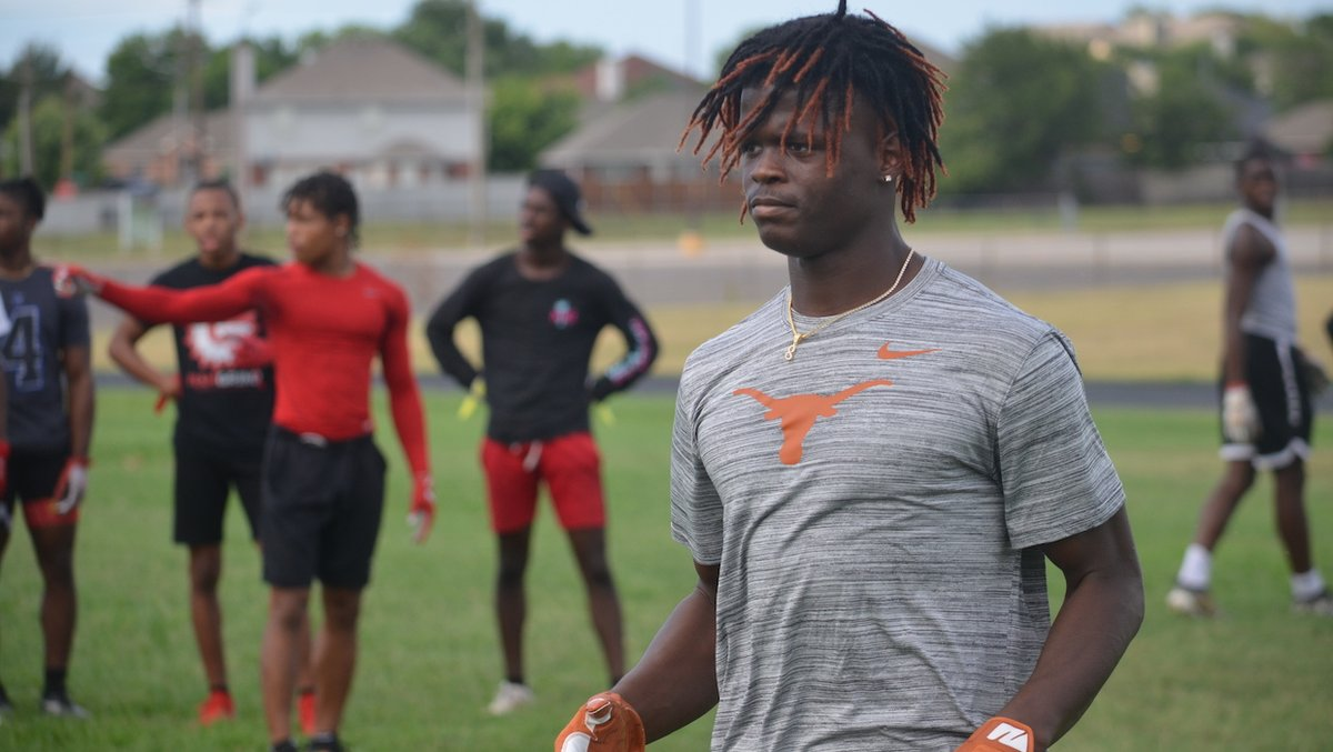 NEW: Texas now sits at 17 commits in the 2021 class. In this week's edition of The Stampede, we look at what the ideal finish would be for Texas and how attainable it is.   #HookEm | https://t.co/slOpfmLcmu https://t.co/rzds98xdn4
