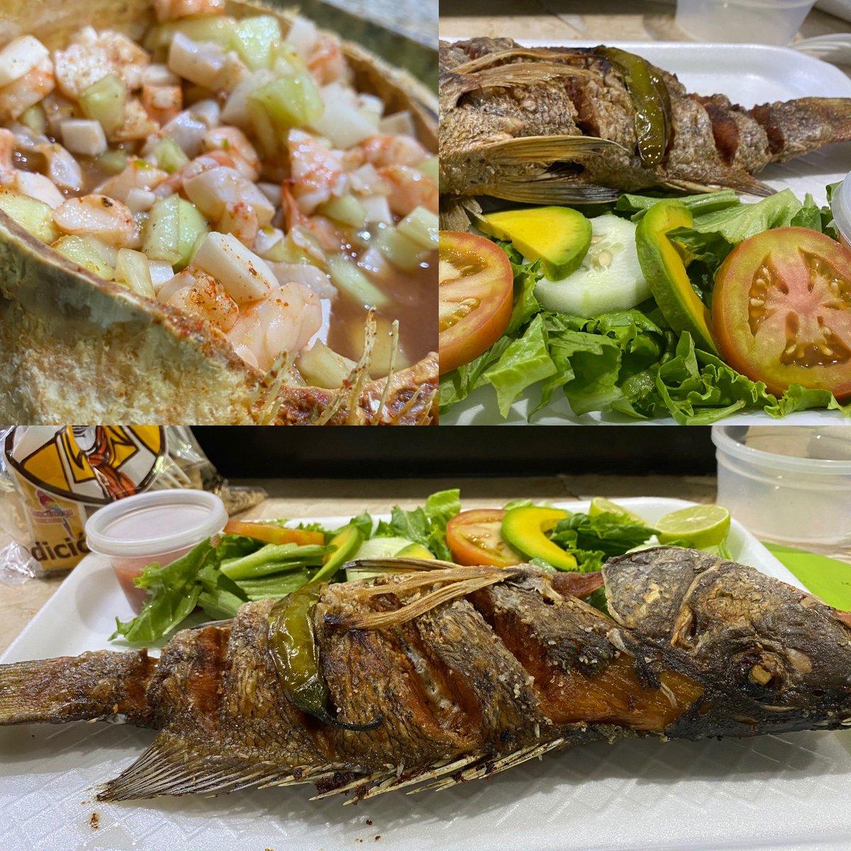 Consumamos los local #MariscosElTanque #Guamuchil pescado frito y un cóctel #Cocotanque de camarón  pic.twitter.com/TXr5h3o2b1