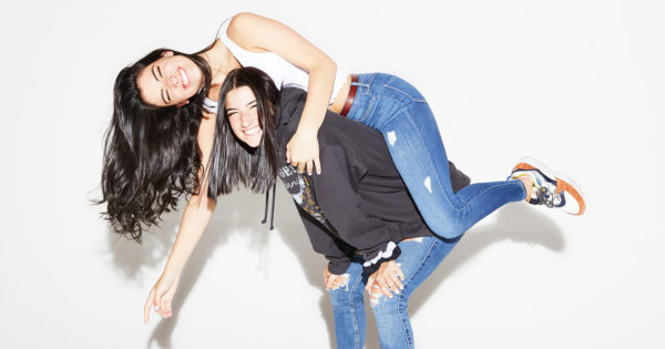 #ADVERTISING NEWSWIRE: Charli and Dixie D'Amelio on Being TikTok Titans and Building a Brand Beyond Social Media https://bit.ly/2FbIF5H  #marketing #socialmedia #influencermarketing pic.twitter.com/Ya3wZ8xTnq
