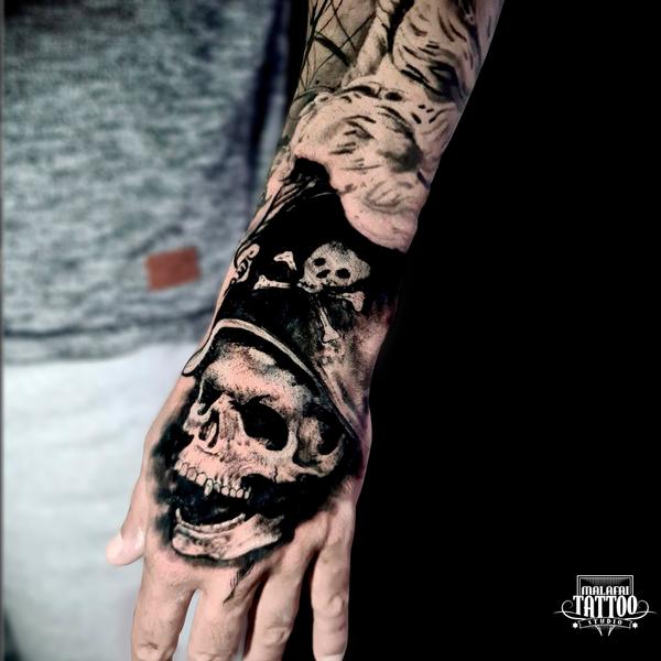 Na Praia grande, tatuagem é com Otto Malafai! ⠀ Faça um orçamento conosco, atendimento exclusivo pelo Whatsapp! 13 99150-0810 #tattoopais #tattolifestyle #tattooideas  #tatuagem #ink #tattoo #inked #tattoo2me #tattooed #father #brasil #blackwork #tattooartist #tattooartpic.twitter.com/YHPI7nE1pQ