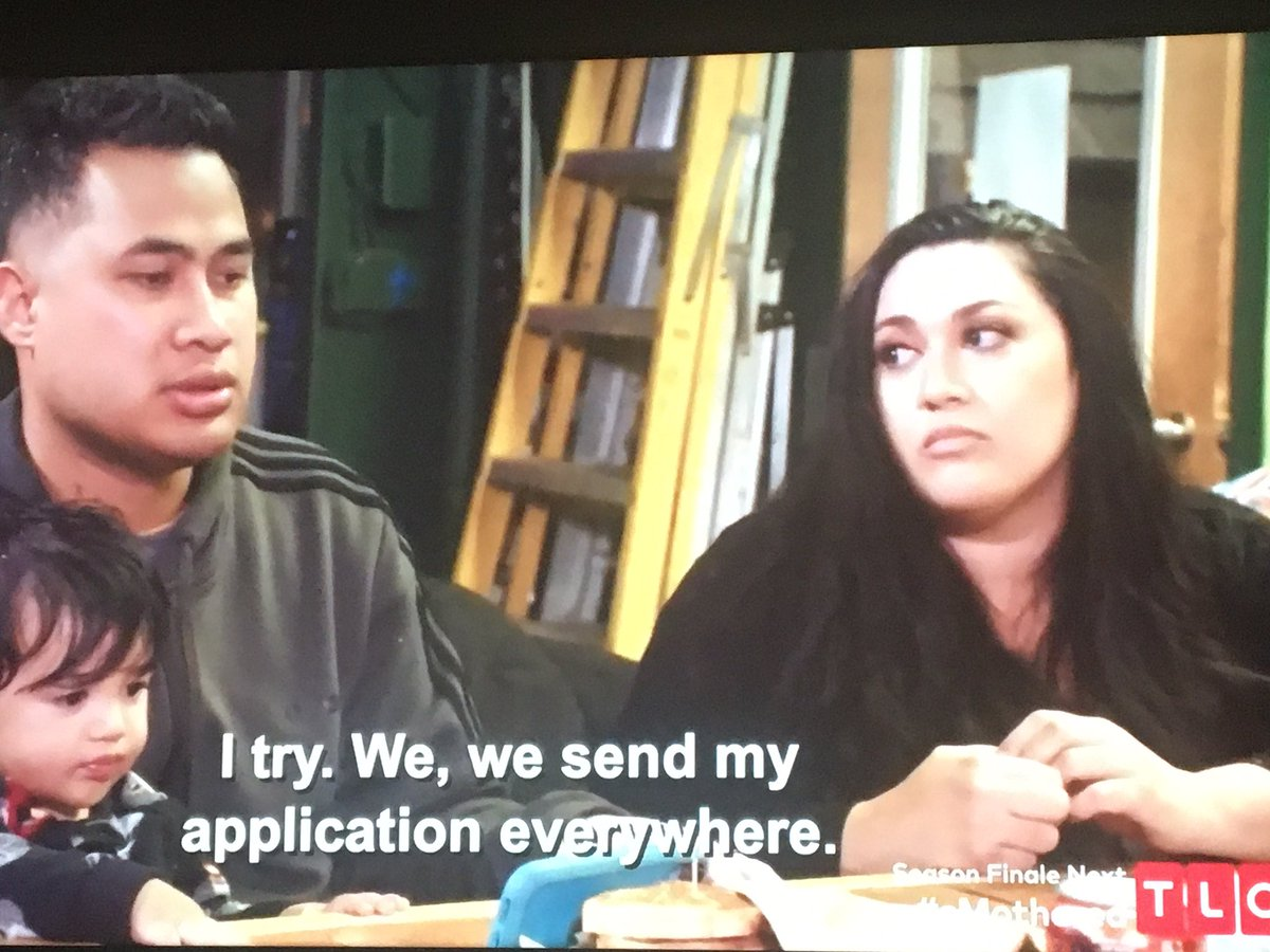 Super confused: why doesn't Kalani work? Its her country so it's easier for her to get a job. Her parents moved in and should help w/ rent and childcare! Are they trying to teach Asuelu a lesson like he's a child/ Man him up? Or belittle his culture? He screwed! #90dayfiancepic.twitter.com/nDIYSzfS1j