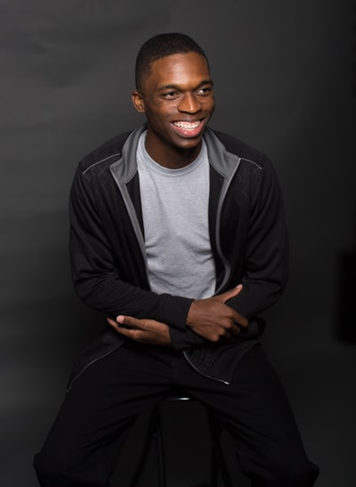 Photo By Malik Mccotter-Jordan | Unsplash   #youngentrepreneur #smiles #youngadultministry #youngadultbooks #blackwhitepic.twitter.com/zxIDDZgA32