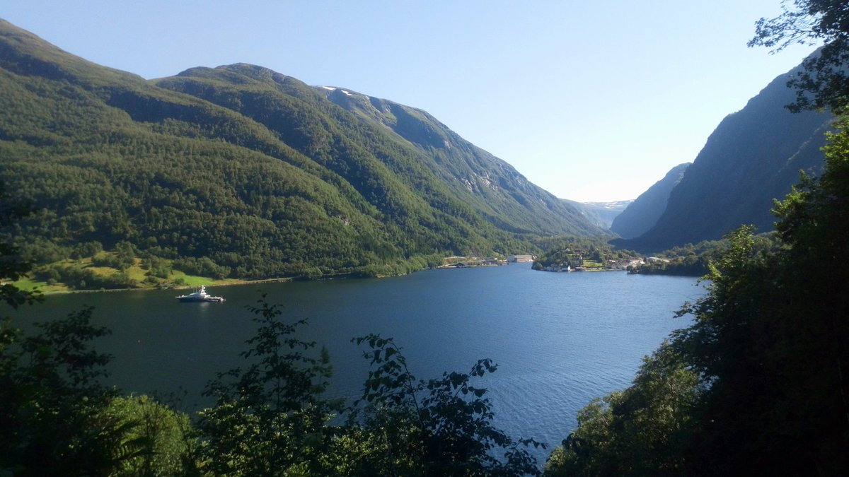 Western norway and it's fjords #photography #landscape #nature #outdoors #hiking #naturelovers #landscapelovers #photographylandscapepic.twitter.com/yN6CS6gITk