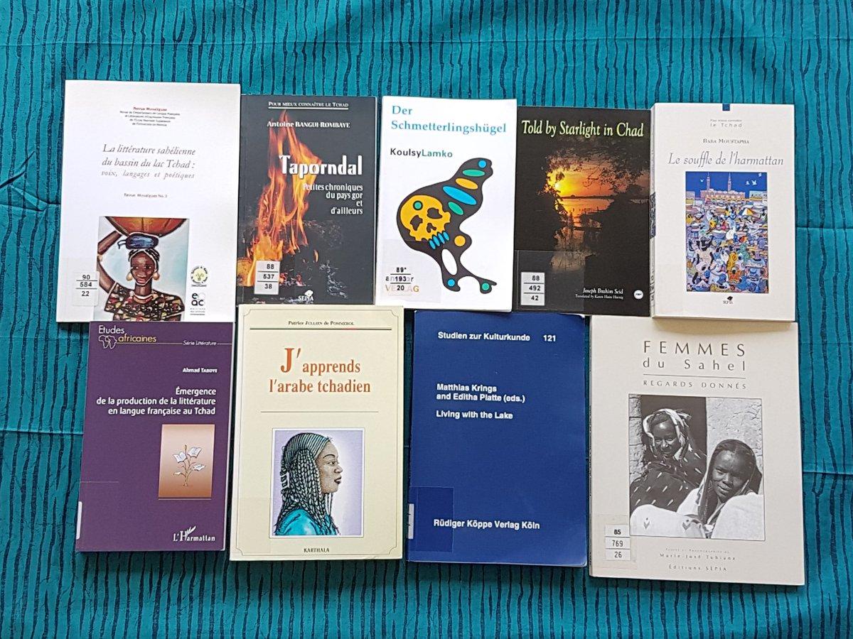 #otd Heute feiert Tschad 🇹🇩 seinen 60. Unabhängigkeitstag. Die #ubffm hat zahlreiche Werke aus und über Tschad wie zum Beispiel Beiträge zur Literaturwissenschaft, dem Spracherwerb oder zur Ethnologie. #YearOfAfrica #AfrikanischesJahr @ilissafrica @VADtoolbox https://t.co/LT1lgeHH3z
