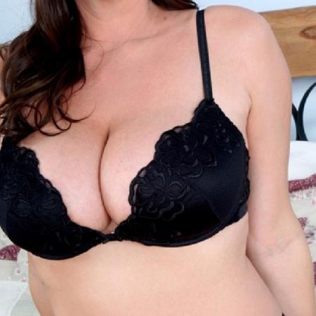 test Twitter Media - Stiekeme seks? Hestia is nu online!. Ga naar https://t.co/hlpSXR5kaD: Hoi ik ben Hestia. Ik ben een opvallende brunette van 26 jaar en (echt waar) 190 cm. Voor iets nieuws ben ik altijd wel te vinden. Makkelijk... https://t.co/DKX8d8OLc6 https://t.co/sLnsK9ix4I