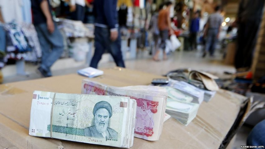 """#Iran Government Promises """"Breakthrough"""" to Bolster Sinking Currency   https://t.co/jTUqAwfLzC  #IranSanctions https://t.co/lD2QGtCKdD"""