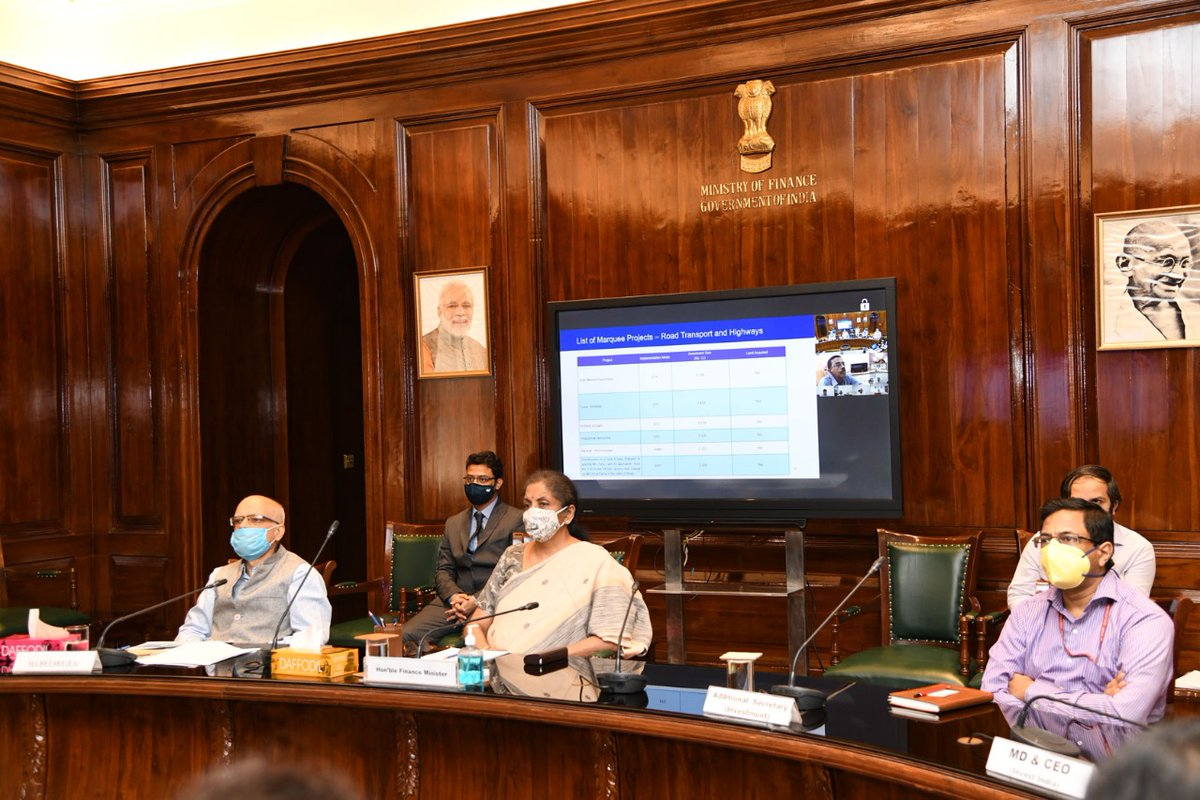 Honble Minister of Finance and Corporate Affairs, Smt. @nsitharaman launches the National Infrastructure Pipeline Dashboard on @IIG_GoI. With 6,800+ projects listed, the database will help in rapid infrastructure development in #NewIndia. Visit: bit.ly/33GJOfC