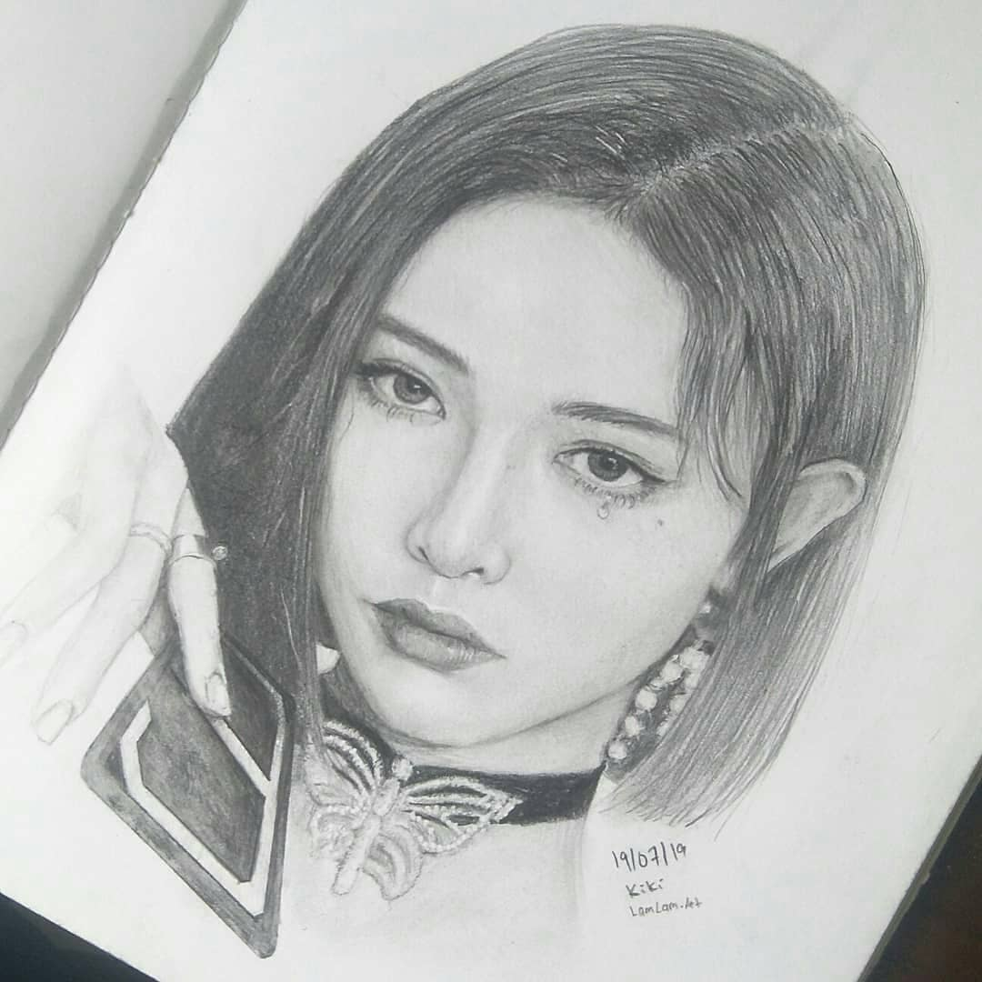 Today #Sphinx and not me came out. It took a couple of listens but I liked it :) this is my drawing of Kiki. I heard she was treated unfairly? What's that all about?..  #kiki #kikixu #snh48 #the9 #the9art #portraitdrawing #art #pencildrawing #drawingpic.twitter.com/QICLU5Cbhz