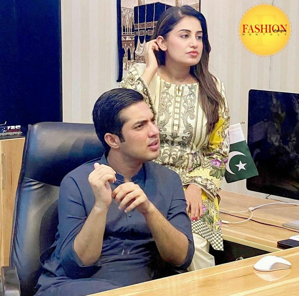 Iqrar ul Hassan with his wife 🥰 . #Fcmag #couple #politics #daily #ig #happy #August #family #update #click #2020 https://t.co/3ew3LYyjv7 https://t.co/pRkgDEG3SP