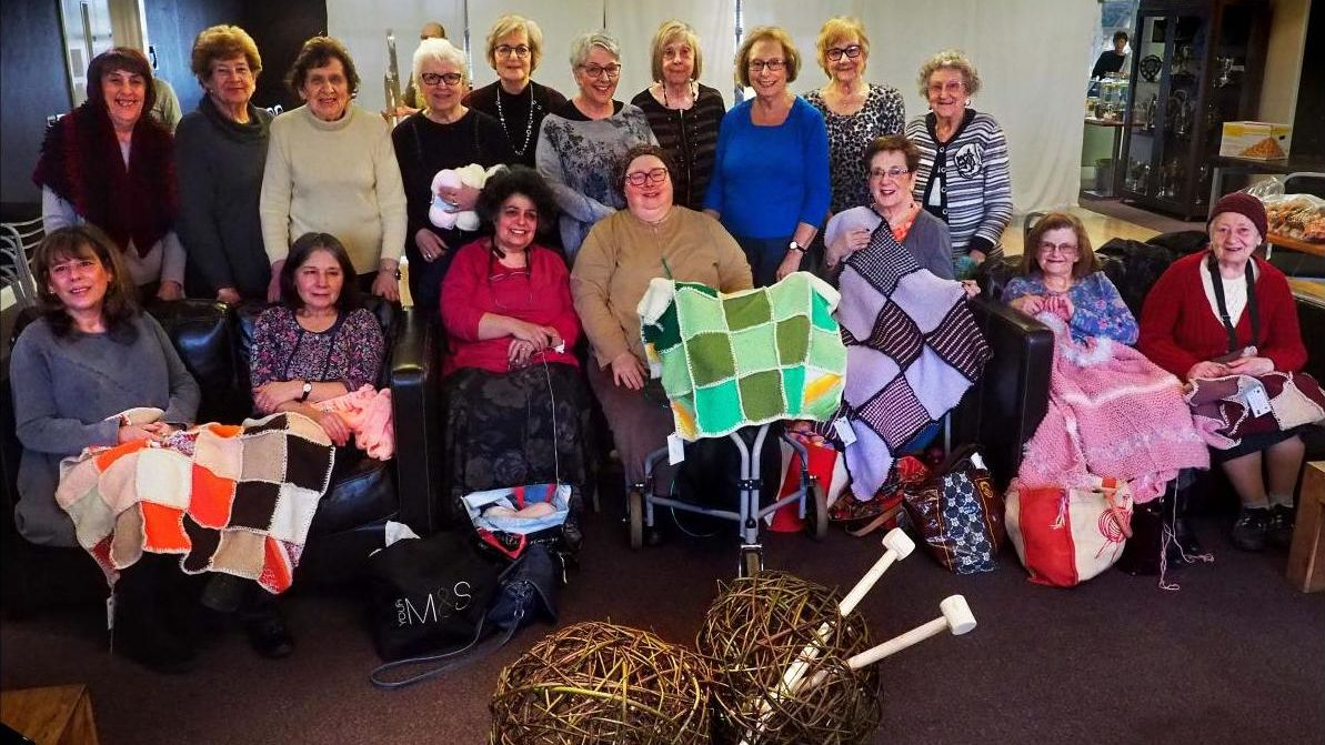 """Big on #knitting? Why not come along to #TheBigKnit and get involved. The group session is held each Wednesday 10-12pm – you're certain to learn some """"purls"""" of wisdom from this lively bunch. See here: https://bit.ly/3ibSFtJ #knitters #knitaddict #handmade #MCRMaccabipic.twitter.com/dzBCigB2S8"""