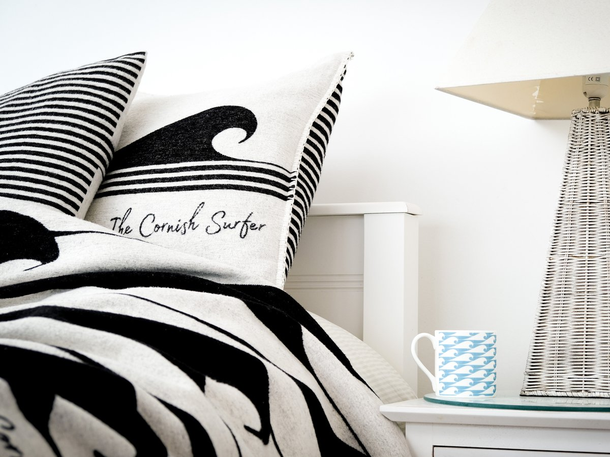 Morning :) Here is some of our recent work. We collaborated with The Cornish Surfer to create this gorgeous range of homewares and beach blankets. A lovely project to be a part of!  #thecornishsurfer #homewares #interior #thebeach #cornwall http://www.pickle-design.co.uk/portfolio/the-cornish-surfer/ …pic.twitter.com/CFbq7Nkwgg