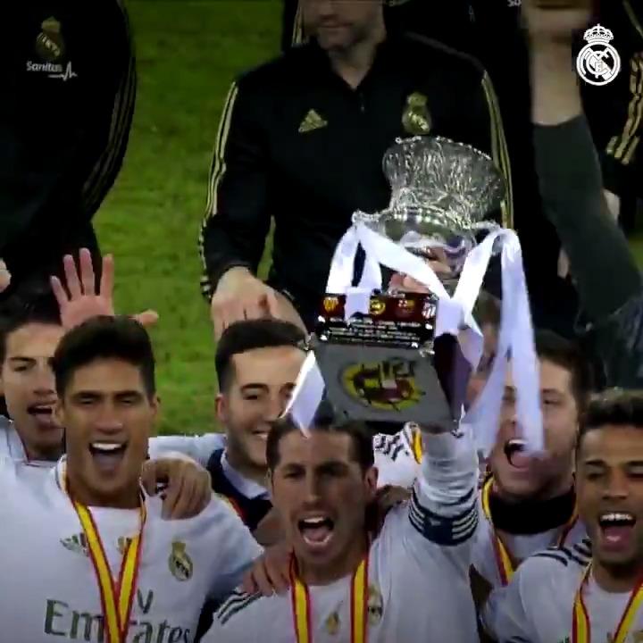 🤩 ¡Un 2020 de doblete!  🏆 34ª @LaLiga 🏆 11ª Supercopa de España #HalaMadrid https://t.co/SGNO1SC3lH