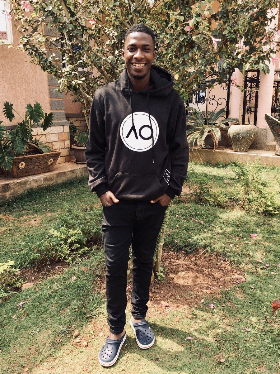 THE GOAL IS TO WIN ♟  Hoodie: @rvclothingkampala  #styleblogger #happy #smile #lifeIsGood #BlackIsKing #BlackLivesMatter #BlackTwitter #fashionstyle #follo4follo #folowtrick #FolloForFolloBack #follobackinstantlypic.twitter.com/hCWS9yozr0