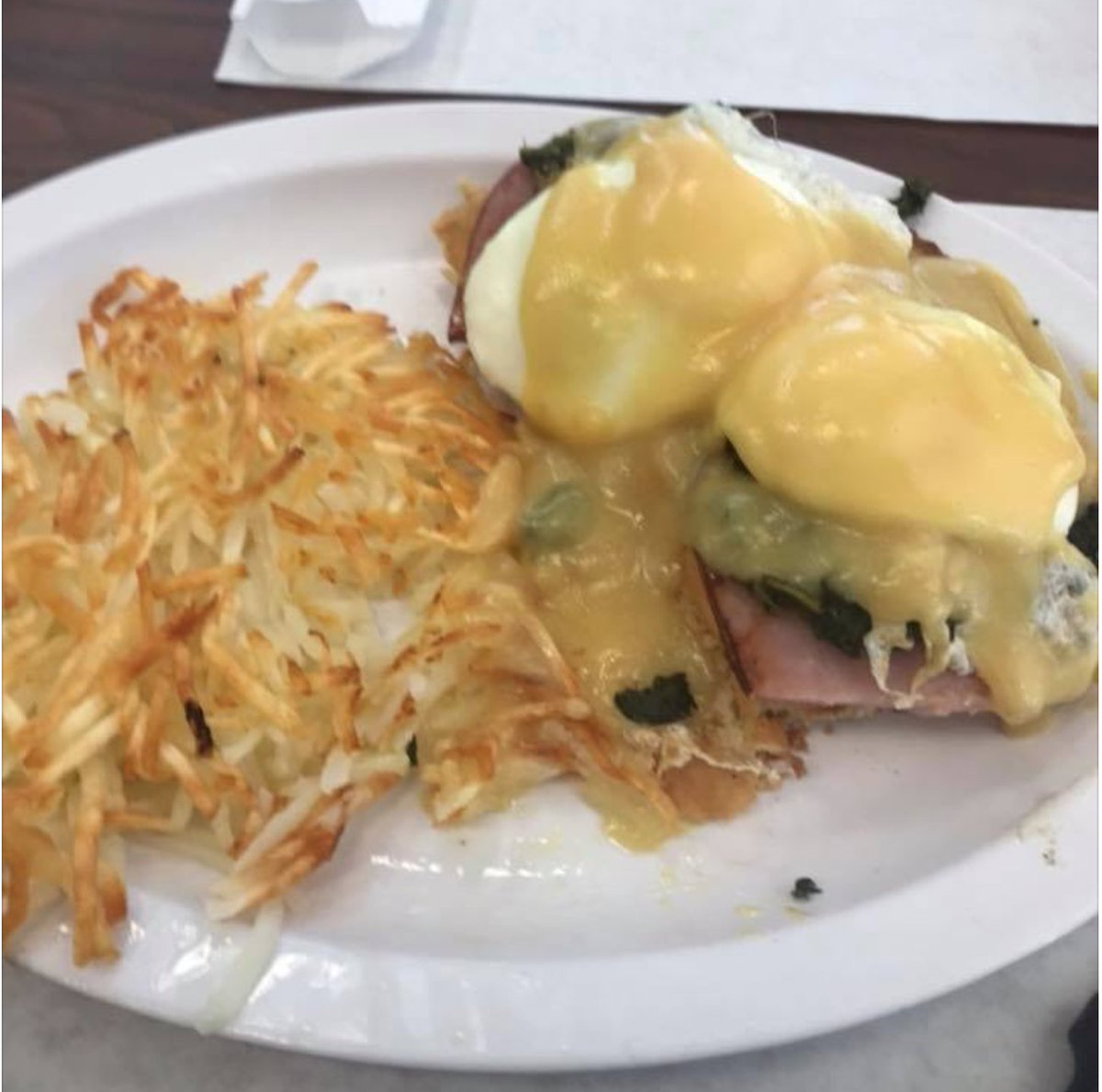 Eggs Benedict for breakfast or lunch at C's Waffles! Do you like breakfast for lunch?  #breakfast #cswaffles #eggsbenedict #hashbrownspic.twitter.com/mImVBiYOEp