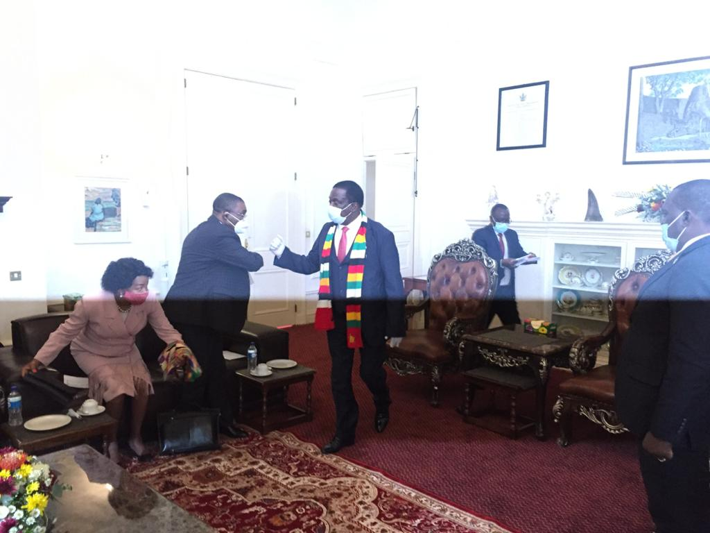 President meets President Cyril Ramaphosa 's envoys, Mufumadi, Mbete and Ramathlodi at Statehouse.