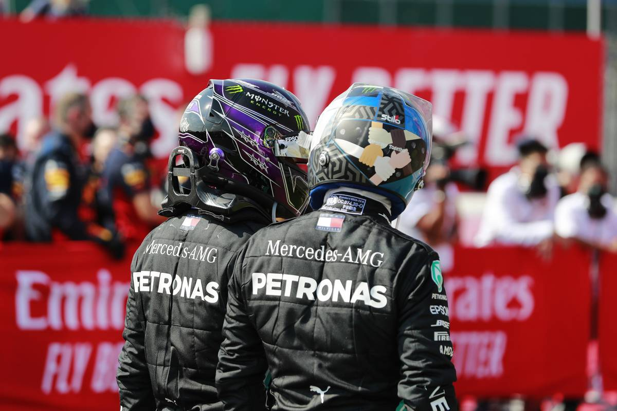 فريق مرسيدس يدرك عدم سعادة بوتاس مع تفوق هاميلتون #فورمولا1  https://t.co/Z3pg3tWrQA . . #F1 @F1 https://t.co/XWcGbVCEpU
