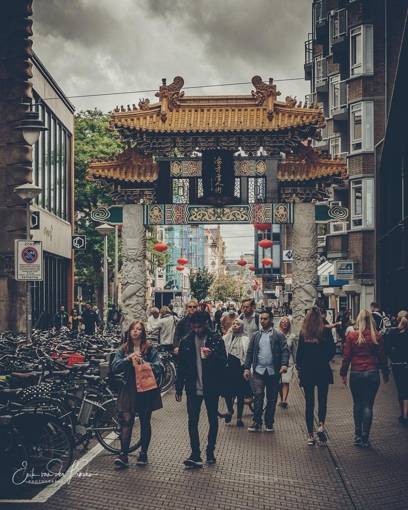 Chinatown Den Haag . . . . . #instamagazine_ #sonyimages #streetmagazine #thecreative #focalmarked #streetshared #pursuitofportraits #street_avangers #quietthechaos #postmoreportraits #yngkillers #meistershots #streetmobs #sonyalphasclub #visualambassado… https://instagr.am/p/CDt4vH9nKIh/pic.twitter.com/rqpVM8rUke